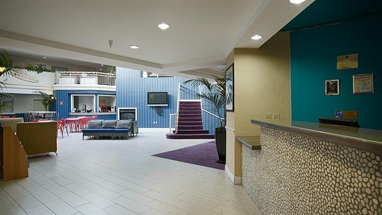 Best Western Plus All Suites Inn: Front Desk