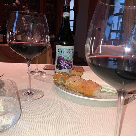 Pezzolo Valle Uzzone, İtalya: Dall'antipasto al dolce piatti eccellenti, squisiti delicati e preparati con cura. La Sig. Carla