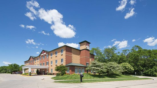 Best Western Plus Des Moines West Inn & Suites: exterior