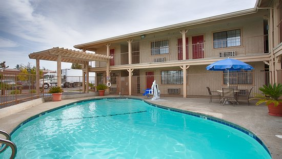 Best Western Hanford Inn: Outdoor Pool