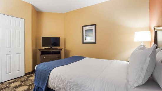 Best Western New Smyrna Beach Hotel & Suites: Guest Room