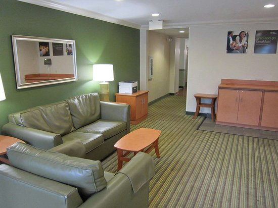 Extended Stay America - Fort Lauderdale - Cypress Creek - NW 6th Way: Lobby and Guest Check-in