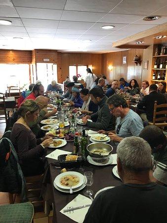Restaurante Juquim: ככה נראת המסעדה מבפנים - מקום לכ-10 +- שולחנות קטנים - אווירה כפרית מחבקת