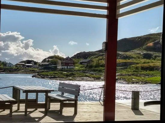 Sommaroy, Norway: Noe å hvile øynene på mens vi ventet på maten