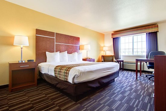 Firestone, CO: King Bed Guest Room