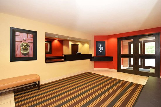 Kentwood, ميتشجان: Lobby and Guest Check-in