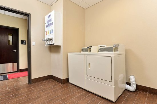 Hampton Inn & Suites Harvey/New Orleans West Bank: Hotel