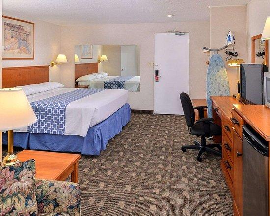econo lodge motel village updated 2018 prices reviews. Black Bedroom Furniture Sets. Home Design Ideas
