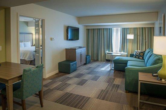 Hampton Inn Suites New Orleans Elmwood Clearview Parkway Area