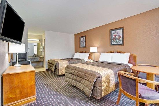 Hernando, MS: 2 Double Bed Room