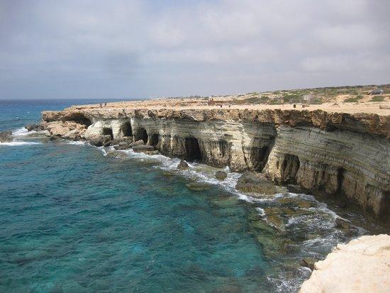 นิโคเซีย, ไซปรัส: sea caves