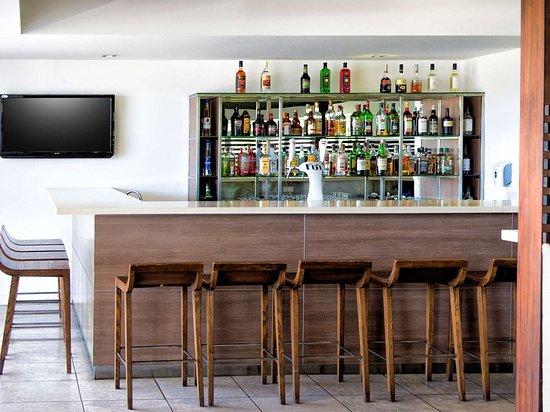 Novotel Nadi : Bar Lounge