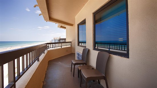 Best Western New Smyrna Beach Hotel & Suites: Patio With Beach View