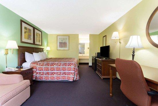Lamont, FL: 1 King Bed Room
