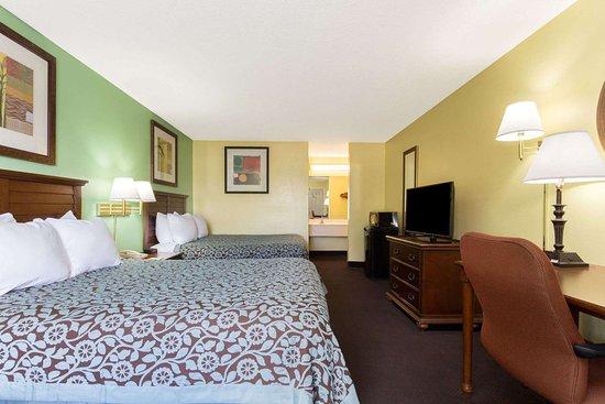 Lamont, FL: 2 Queen Bed Room