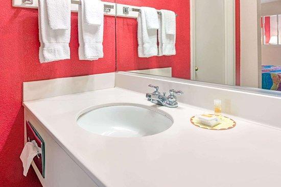 Osceola, أركنساس: Bathroom