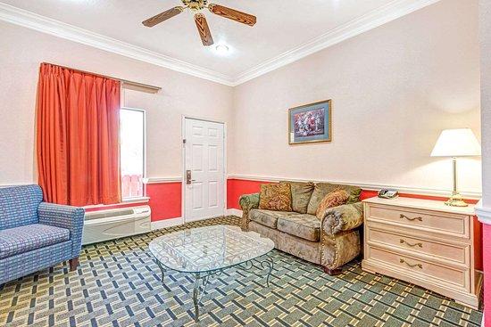 Days Inn Suites By Wyndham Osceola Ar Hotel Reviews Photos Rate Comparison Tripadvisor