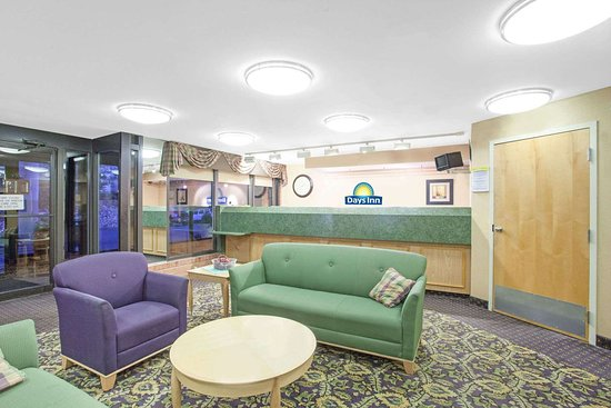 Perryville, MD: Lobby