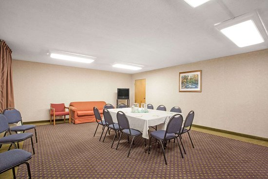 Perryville, MD: Meeting Room