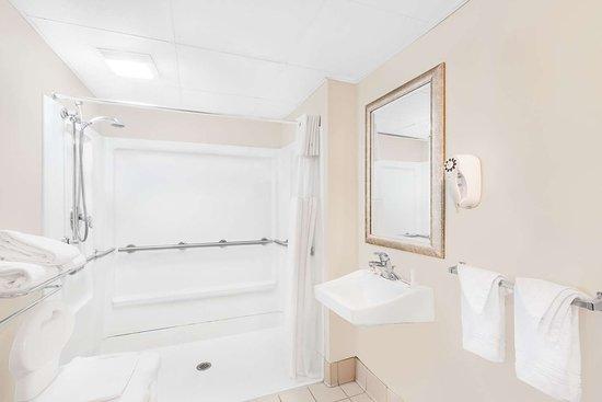 Springfield - Delaware County, Pensilvania: Guest room bath