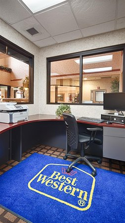 Best Western Inn & Suites - Midway Airport: Business Center