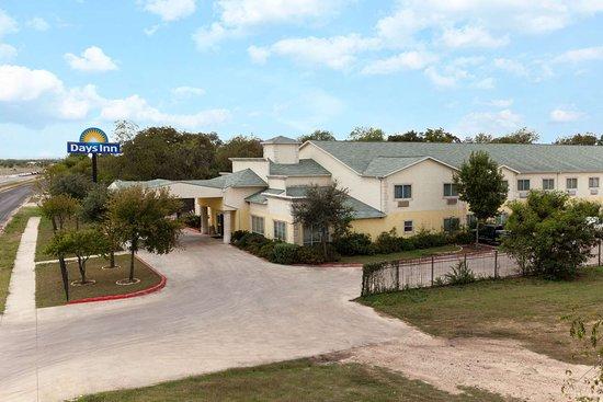 Days Inn by Wyndham San Antonio at Palo Alto: Welcome to the Days Inn San Antonio at Palo Alto