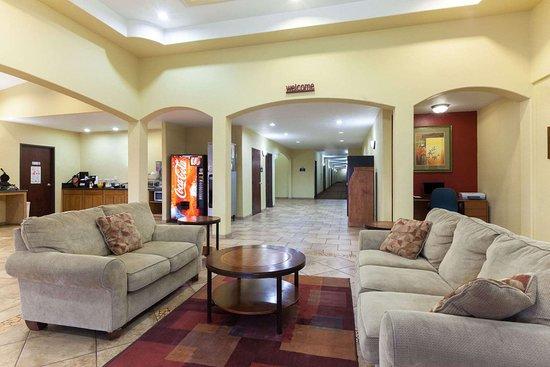 Days Inn by Wyndham San Antonio at Palo Alto: Lobby