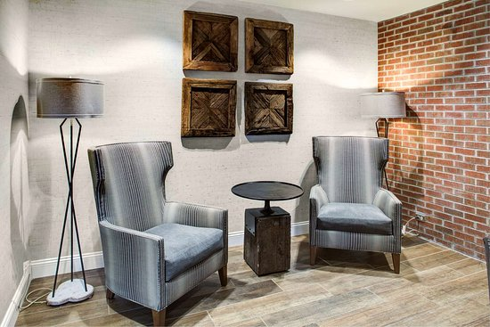 Hampton Inn & Suites Pittsburg/Kansas Crossing
