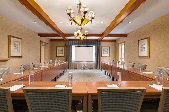 Brisbane, CA: Meeting Room