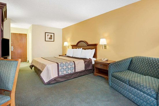 Haw River, Северная Каролина: 1 King Bed Room
