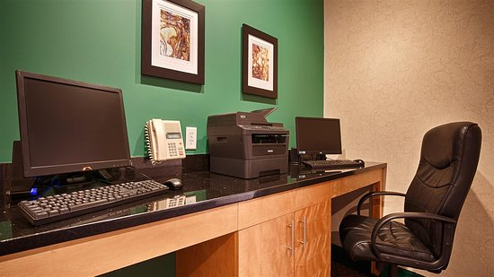 Best Western Plus Howe Inn : Business Center