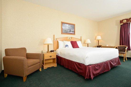Howe, IN: King Guest Room