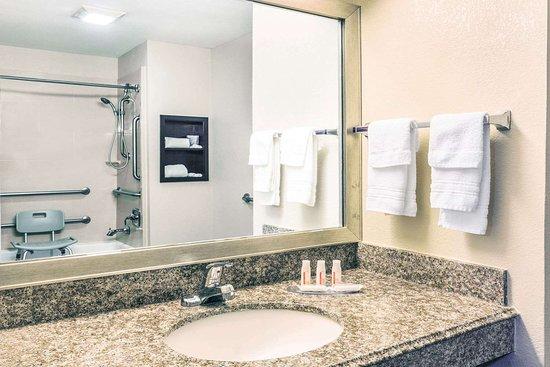 Rayville, لويزيانا: Guest room bath