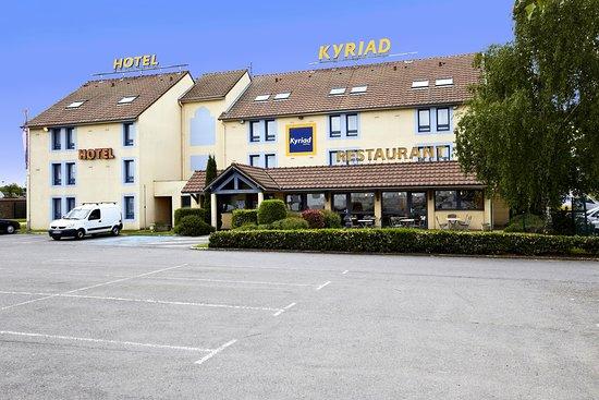 Kyriad Beauvais Sud : KYRIAD BEAUVAIS VUE PARKING