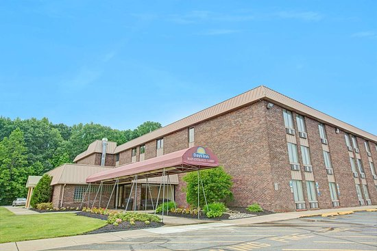 Days Inn by Wyndham East Windsor/Hightstown: Exterior
