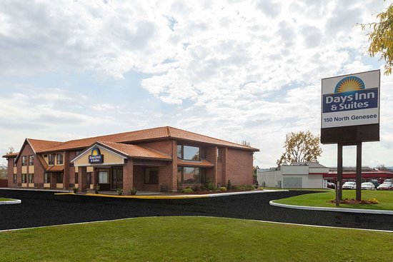 Days Inn by Wyndham Utica