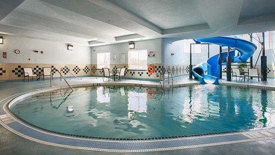 Best Western Premier Freeport Inn Calgary Airport: Indoor Pool