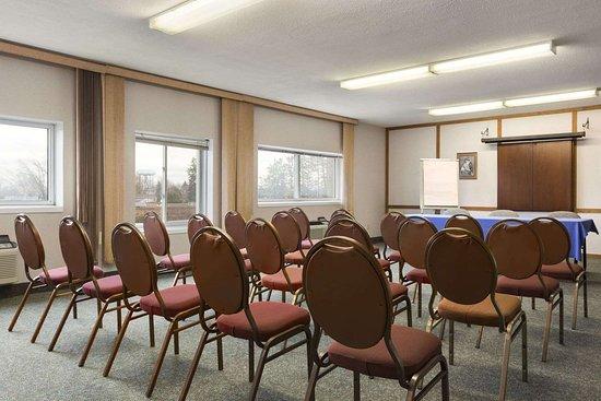 Days Inn Brockville: Meeting Room