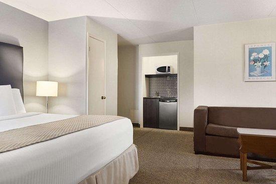 days inn toronto west mississauga 84 9 0 updated. Black Bedroom Furniture Sets. Home Design Ideas