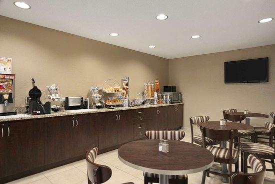 Mineral Wells, WV: Breakfast Area