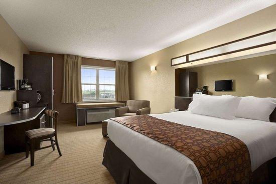 Mineral Wells, WV: Standard Queen Bed Room