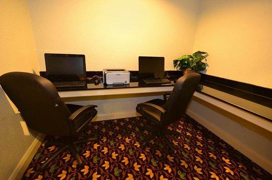 Gray, LA: Business Center