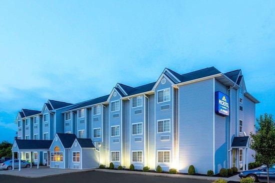 Microtel Inn & Suites by Wyndham Dry Ridge