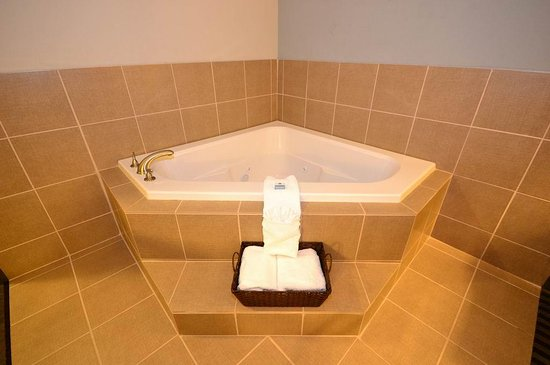 Abbeville, LA: Guest Bathroom