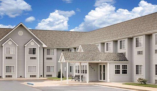 Microtel Inn & Suites by Wyndham Joplin : Exterior