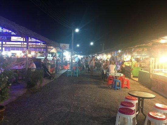 La Vela Khao Lak: Lots of street food at Bang Niang Market