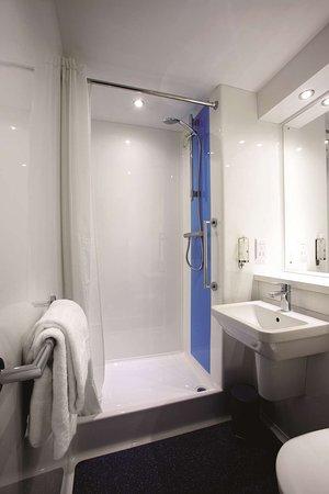 Hickstead, UK: Guest room
