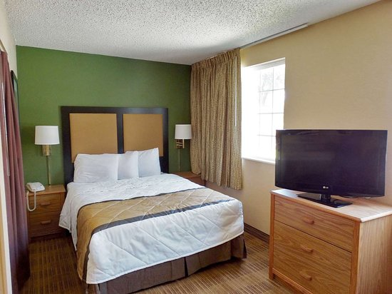 Extended Stay America - Indianapolis - West 86th St.: Deluxe Studio - 1 Queen Bed