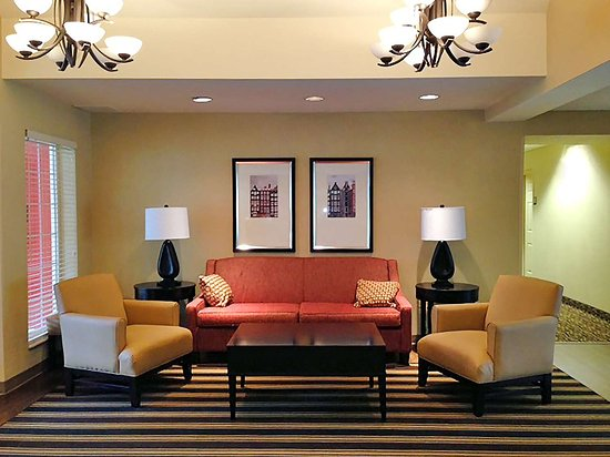 Extended Stay America - Indianapolis - West 86th St.: Lobby and Guest Check-in
