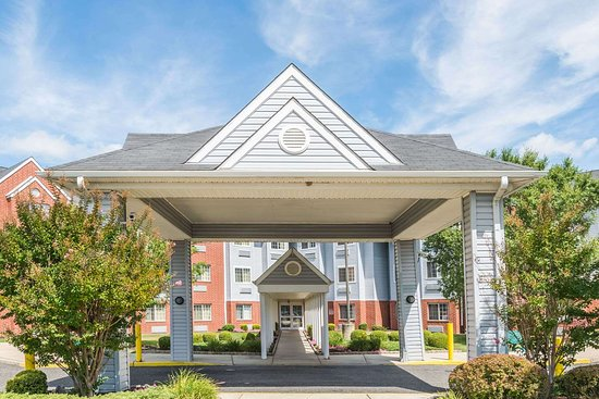 Microtel Inn & Suites by Wyndham Philadelphia Airport: Welcome to the Microtel Inn and Suites Philadelphia